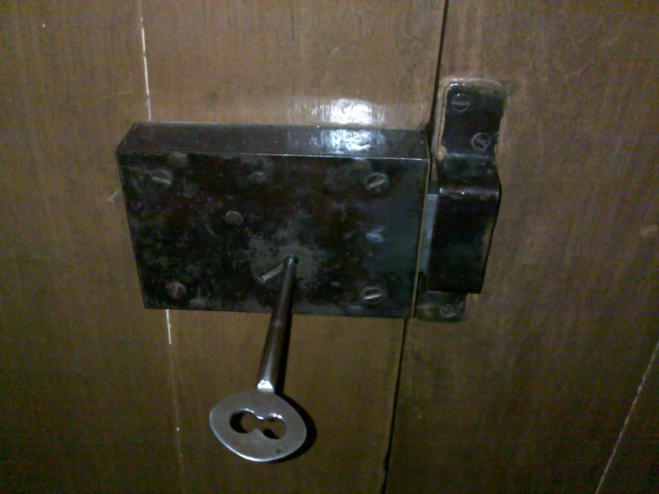 An old style warded lock